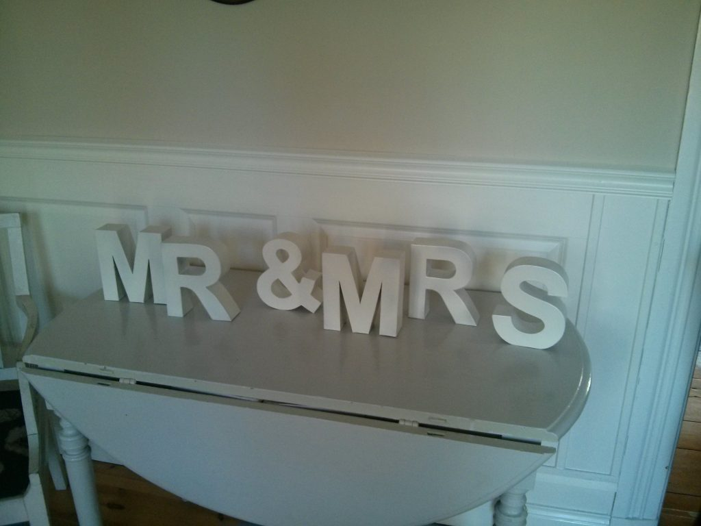 The Mr & Mrs wooden letters